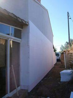 #isolamentotérmico #renobuild #algarve #cappoto  #Wärmedämmsystemen #thermalinsulation #isolationthermique #etics Algarve, Thermal Insulation, Garage Doors, Building, Outdoor Decor, Home Decor, Insulation, Arquitetura, Facades