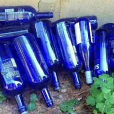 How to EASILY remove bottle labels for garden crafts | Flea Market Gardening