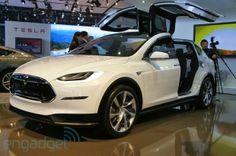 Tesla, ese fabricante de autos eléctricos, ha dado mucho de que hablar últimamente gracias al éxito de ventas de sus vehículos, y ahora nos ...