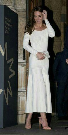 Kate Middleton - long sleeve white dress