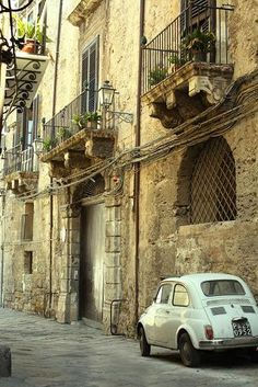 Ancient Street, Sicily, Italy  photo via cherryblossomgirl