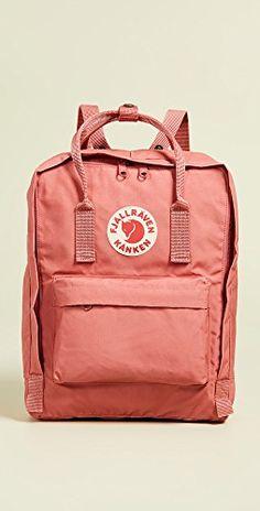 Create an Athleisure Capsule Wardrobe: 10 Spring Outfits - Classy Yet Trendy Moda Instagram, Mochila Kanken, Kanken Backpack, Mini Backpack, Backpack Bags, Popular Backpacks, Women's Backpacks, Trendy Backpacks, School Backpacks