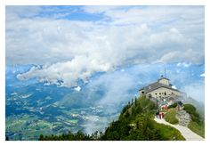 Kehlsteinhaus, Hitler's Eagle's Nest, Bavarian Alps, Germany The view is so stunning that you won't be able to leave! Great Places, Places Ive Been, Places To Go, Dachstein Austria, Eagle Nest, Future Travel, Christmas 2017, Alps, Rome