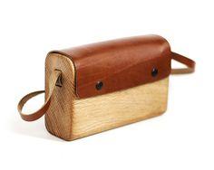 Oak wood and leather handmade Bag by Haydanhuya
