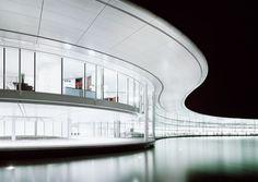 Architecture | White curve light