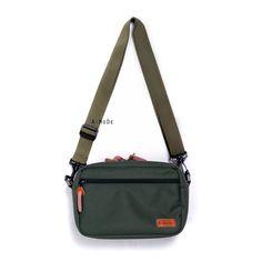 SPX02 Camera Bag   www.a-mode.hk #amode #camerabag #smallcamerabag #camerainsert #fuji #sony #Waistbag Camera Bag Insert, Camera Bags, Small Camera, Olympus, Fujifilm, Eos, Nikon, Messenger Bag, Shoulder Strap