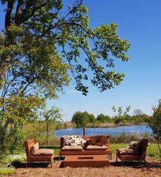 Mooie loungeset voor buiten | Meubelmakerij | Houtkwadraat | Stoer spul Outdoor Furniture Sets, Outdoor Decor, Outdoor Living, Pergola, Plants, Sofa, Home Decor, Gardens, Table And Chairs