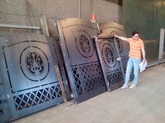 Metal Gates, Wrought Iron Gates, Front Gates, Entrance Gates, Steel Doors, Steel Gate, Iron Furniture, Iron Work, Metal Art