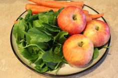 DIY Organic baby food recipe. Made with apples, carrots, and spinach. Only $.30 a serving!