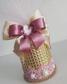 E essas cores? 😱❤️😱#personalizadosdeluxo #batatapersonalizada Quince Themes, Cinderella Birthday, Fun Crafts For Kids, Princess Party, Cool Kids, Party Favors, Perfume Bottles, Birthday Parties, Ballet