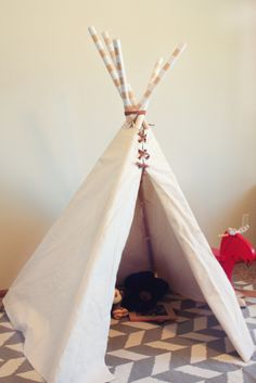 Tutorial: How to make a child's teepee. This would be awesome for a study of Indians or Thanksgiving.