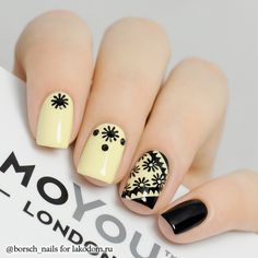 Black and yellow nails Fancy Nails, Love Nails, Pretty Nails, My Nails, Nail Art Cute, Stamping Nail Art, Yellow Nails, Fabulous Nails, Stylish Nails