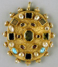 Post-Byzantine (Serres, Greece) Date:mid-16th century Material:Gold, amethyst, emeralds, rubies, pearls, semiprecious stones, niello