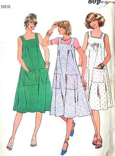 Vintage 1970s Butterick 6103 sewing pattern  An easy to make dress which is fitted around the bust and flares out. Square neckline and optional