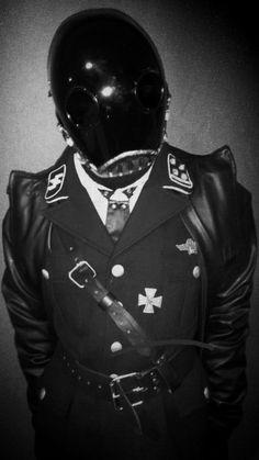cosplay, dieselpunk hellboy. Karl Ruprecht Kroenen, steampunk, dieselpunk, SCI FI , WW2 , uniform, World War II , cosplay