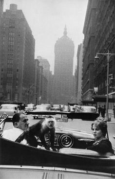 Garry Winogrand Park Avenue, New York 1959 Gelatin silver print Framed: cm 20 in.) National Gallery of Art, Patrons' Permanent Fund © The Estate of Garry Winogrand, courtesy Fraenkel Gallery, San Francisco Garry Winogrand, Louis Daguerre, Diane Arbus, Moma, History Of Photography, Art Photography, Inspiring Photography, Famous Photography, Art Inspo