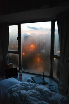 Rainy Aesthetic Beauty Inspo Cozy Room Home Room Decor Window View, Window Panes, Room Window, Cozy Room, Cozy Bed, Dream Rooms, My New Room, Rainy Days, Cozy Rainy Day