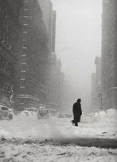 Tim Croner, Little Man in the Snow, Chicago 1947-8 gelatin silver print
