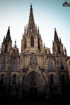 Barcelona cathedral lies at the entrance to the maze of streets and lanes that make up the Gothic Quarter in Barcelona. The Gothic Quarter and La Rambla make up our favourite part of Barcelona.: