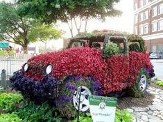 Imagine riding in this jeep! From the South Carolina, Festival of Flowers...additional photos of the interior at Between Naps On The Porch