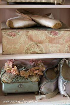 Servies en Brocante. Ballet slippers at the flea market.