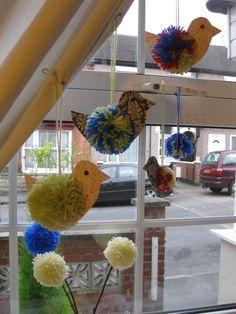 Pom pom Winter Birds Bullfinch, Winter Colors, Craft Projects, Craft Ideas, Snowflakes, Crafts For Kids, Birds, Diy, Inspiration