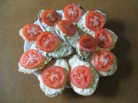 PAPRIKOVÁ POMAZÁNKA S MASOM NA TOPINKY | Mimibazar.sk Sushi, Ethnic Recipes, Food, Red Peppers, Meals, Yemek, Eten