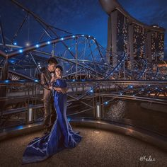 Beautiful night at Singapore ! by kedaz Pre Wedding Photoshoot, Wedding Poses, Wedding Shoot, Dream Wedding, Prewedding Photo, Prewedding Outdoor, Photo Poses, Photo Shoot, Mbs