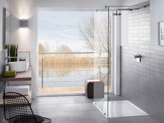 Une salle de bains ouverte sur l'extérieur