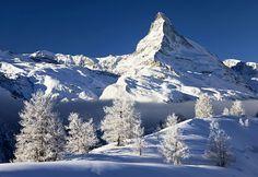 Snowy view of the Matterhorn, Switzerland (© Massimo Ripani/SIME/4Corners Images)