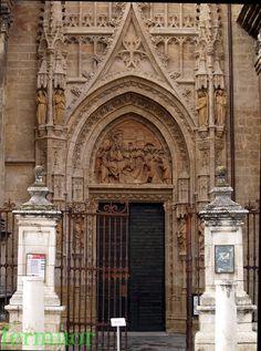 Catedral de Sevilla. Puerta de las Campanillas.