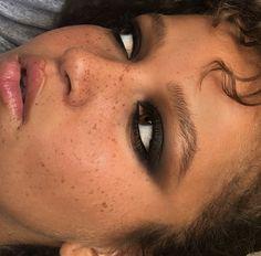 makeup organizer makeup tutorial and eyeshadow makeup glasses eyeshadow colors eyeshadow makeup makeup kaise kare makeup without eyeliner Cute Makeup, Pretty Makeup, Edgy Makeup, Bright Makeup, Black Girl Makeup, Green Makeup, Simple Makeup, Skin Makeup, Eyeshadow Makeup