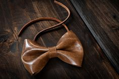 Classic leather bow tie in British Tan.