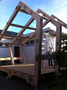 WikiHouseNZ //  Danny Squires ecoark @ecoarknz On the move again #WikiHouse pic.twitter.com/2dL8zMqml6
