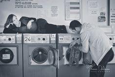 Une jolie séance grossesse dans une laverie automatique à Troyes.   #Photographie #Grossesse #Troyes #Photography #Maternity #Laundry #Laverie #FemmeEnceinte