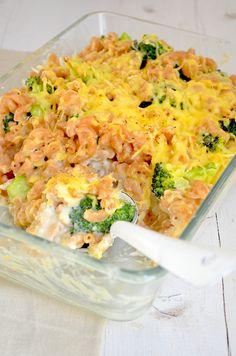 Macaroni and Cheese met Broccoli -