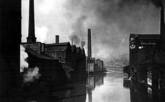 River Don from Lady's Bridge before the First World War. Tennant Brothers Ltd., Exchange Brewery on left (fronting Bridge Street), Millsands Steelworks beyond and Cocker Brothers Wireworks across the river (on right) Sources Of Iron, Sheffield Wednesday, South Yorkshire, Derbyshire, Urban Landscape, Old Pictures, Old And New, Manchester, Bridge