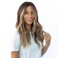 Hair Color Ideas For Brunettes Discover 7 Fall Hair Color Trends Youre About To See All Over L. Hair Color Trends For Fall And Winter 2018 - Highlights Hair Color Highlights, Hair Color Balayage, Balayage Highlights, Brunette With Highlights, Beach Highlights, Bayalage, Bronde Haircolor, Highlighted Hair For Brunettes, Brunette Hair Pale Skin