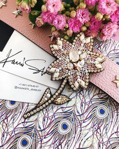 255 отметок «Нравится», 1 комментариев — @kaunista_jewelry в Instagram: «〰 ПРОДАН 〰 Цветок в нежных пастельных оттенках| Он крупный, размер в крайних точках: 11 х 6.5 см.…»
