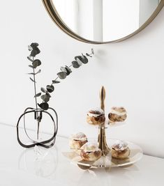 Lily cake stand is perfect for serving all kinds of treats / be&liv