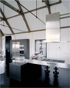 Interior desinger Kelly Hoppen's home. I love her style!