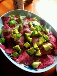 アボカドと山古志牛のローストビーフのサラダ Avocado & Yamakoshi roast beef salad♥