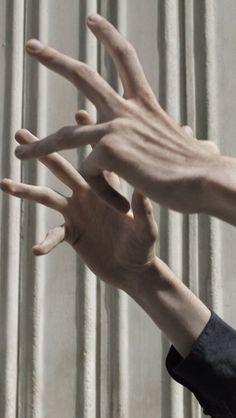 ARCHY'S HANDS WOAH