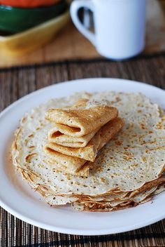 Homemade vanilla crepes  2 cups milk 1 and 1/3 cup flour 1 egg 1 tablespoon vegetable oil 1/2 teaspoon baking powder 2 tablespoons sugar 1 tablespoon vanilla extract
