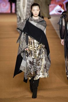 View photos of the Etro Fall 2014 Ready-to-Wear Collection