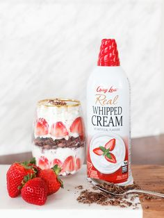 Whip up this easy and delectable treat in under ten minutes! Just add strawberries, chopped chocolate and Gay Lea whipped cream. Chocolate Parfait, Cookies Light, Coconut Whipped Cream, Toasted Marshmallow, Thumbprint Cookies, Ten Minutes, Banana Split, Whipped Topping, Frappe