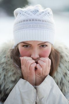 Can You Feel The Chill? Protect Your Skin From Windburn Beauty Trends, Beauty Hacks, Creme Bio, Make Up Your Mind, Natural Beauty Tips, Wellness Fitness, Diy Makeup, Vaseline, A Boutique