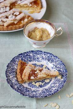 Crostata con mandorle e marmellata di agrumi, con crema pasticcera