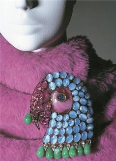Iris Apfel *love this pin....on a dress....or a simple clutch....or hat