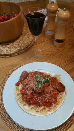 Spiced bolognese with meatballs